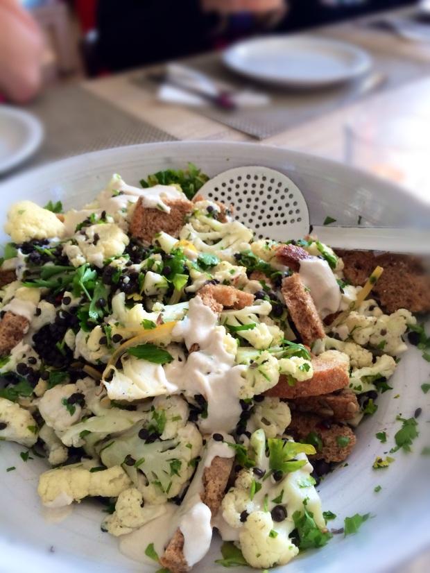 Keukengeheim bloemkool linzen tahina salade